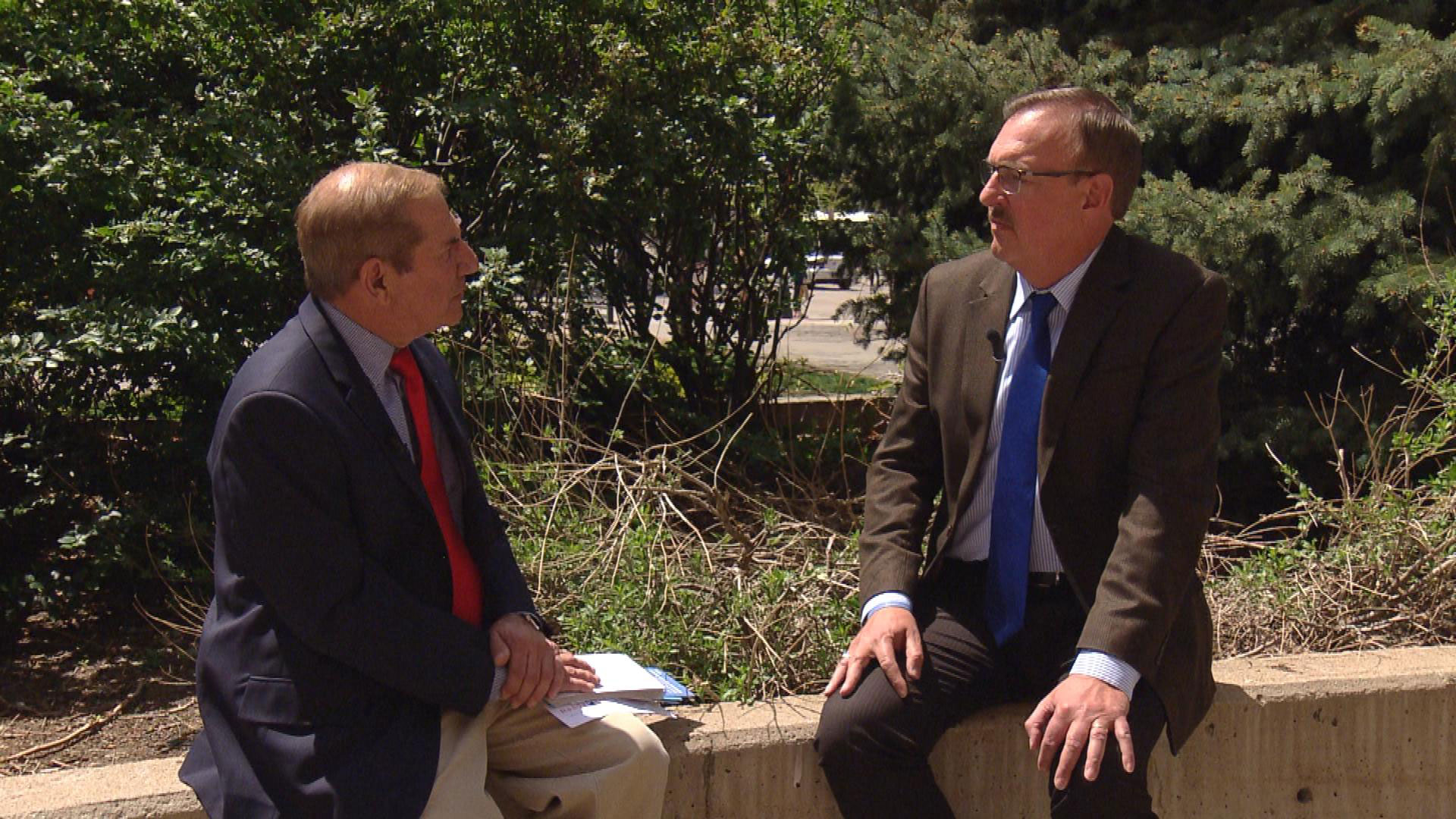 CBS4's Rick Sallinger interviews RTD Assistant General Manager Scott Reed (credit: CBS)