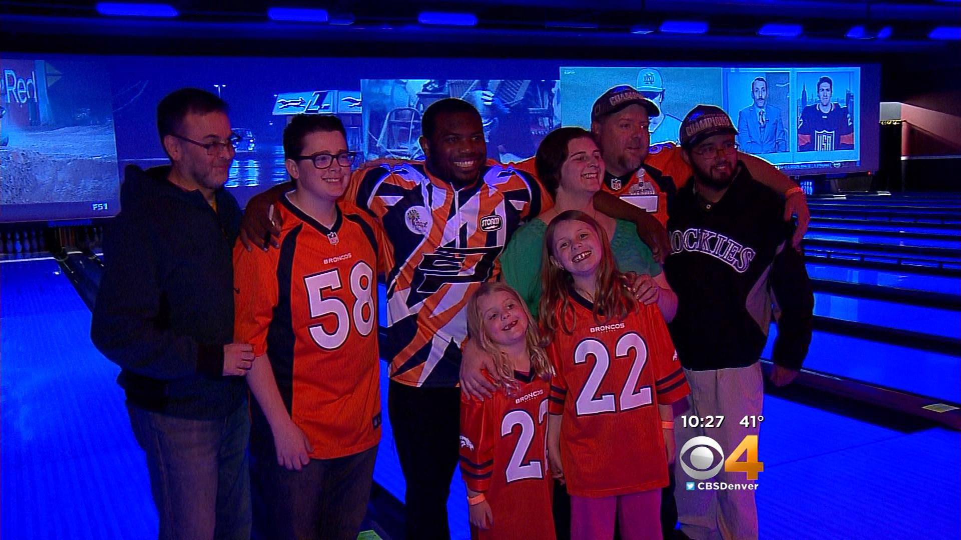 C.J. Anderson with Broncos fans at a bowling charity on May 17 (credit: CBS)