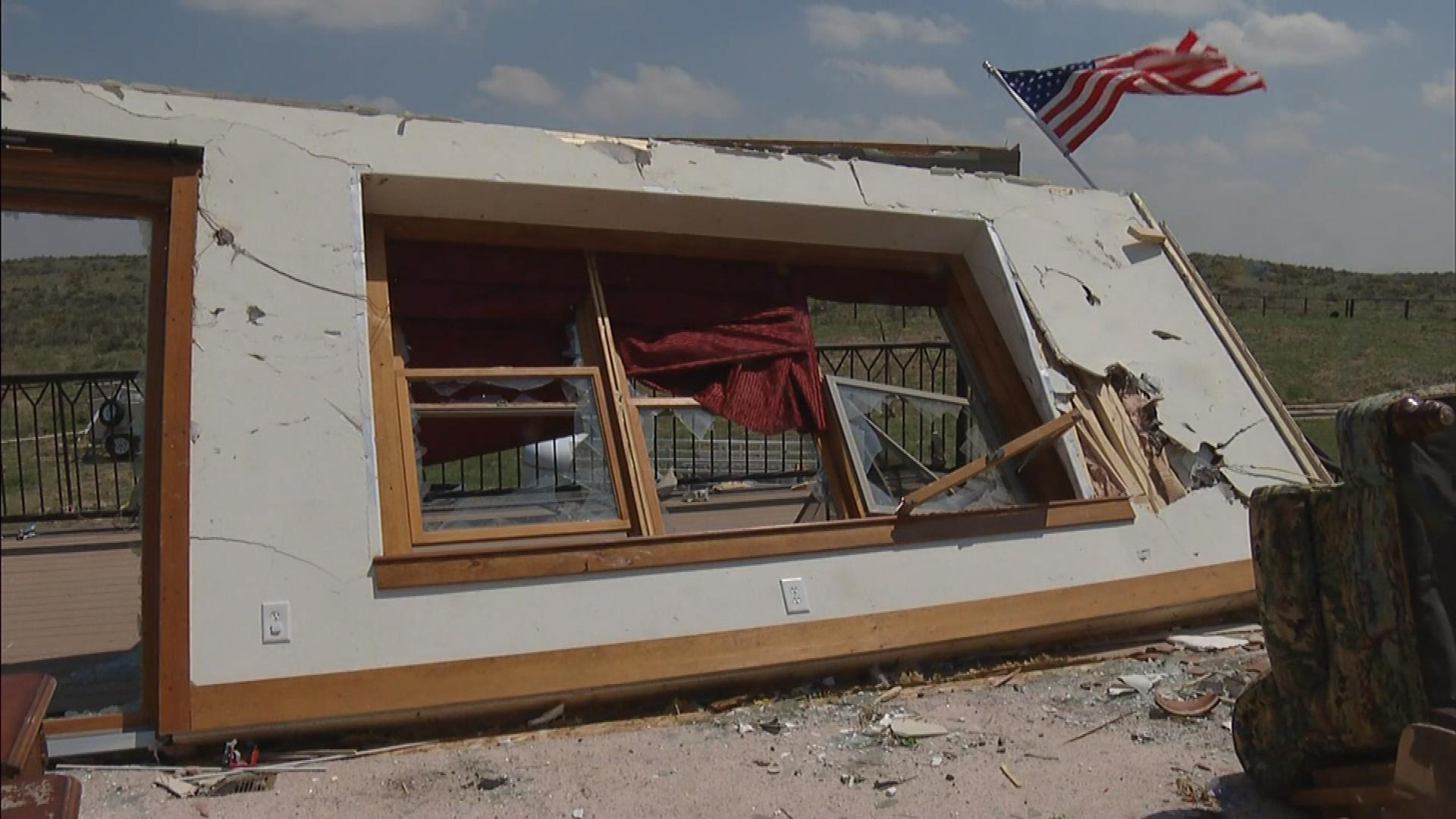 The damage to the house north of Wray (credit: CBS)