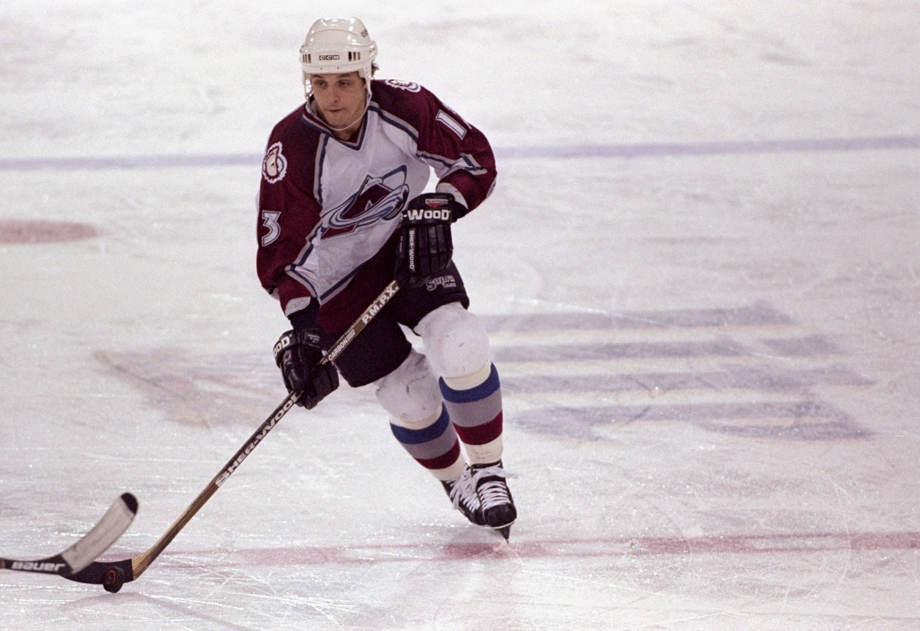 20 Nov 1996: Leftwinger Valeri Kamensky of the Colorado Avalanche in action during a game against the Phoenix Coyotes at the McNichols Sports Arena in Denver, Colorado. The Avalanche defeated the Coyotes 6-0. Mandatory (credit: Jamie Squire /Allsport/Getty Images)