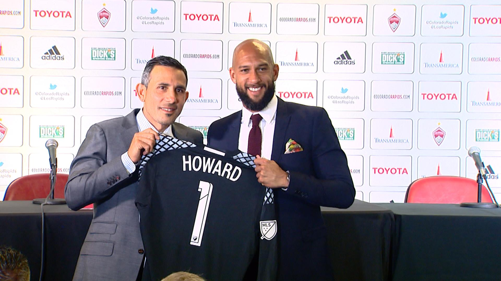 Pablo Mastroeni introduces Tim Howard as the newest Rapid (credit: CBS)