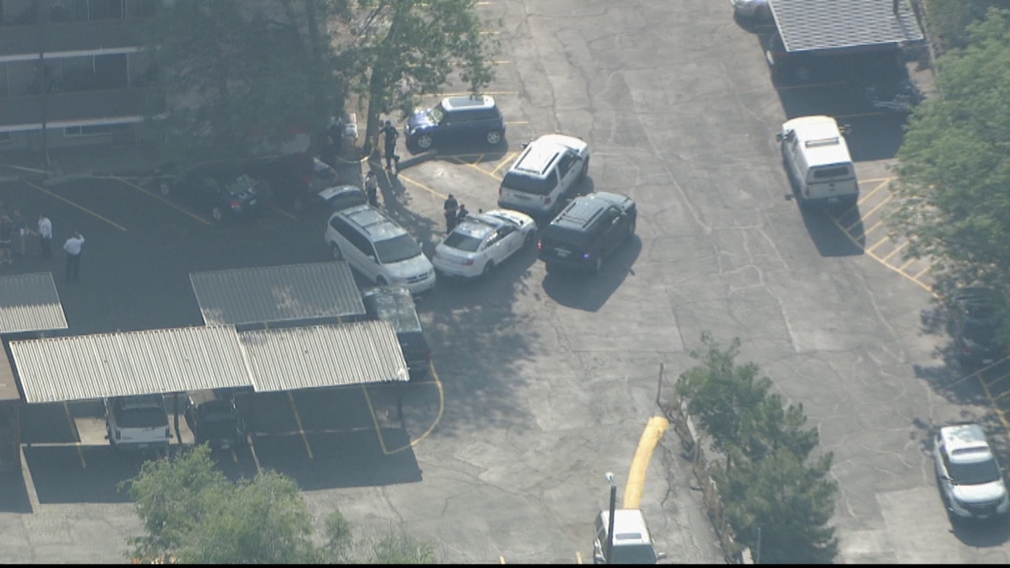Copter4 flew over the apartment complex where police investigated the death of a toddler (credit: CBS)