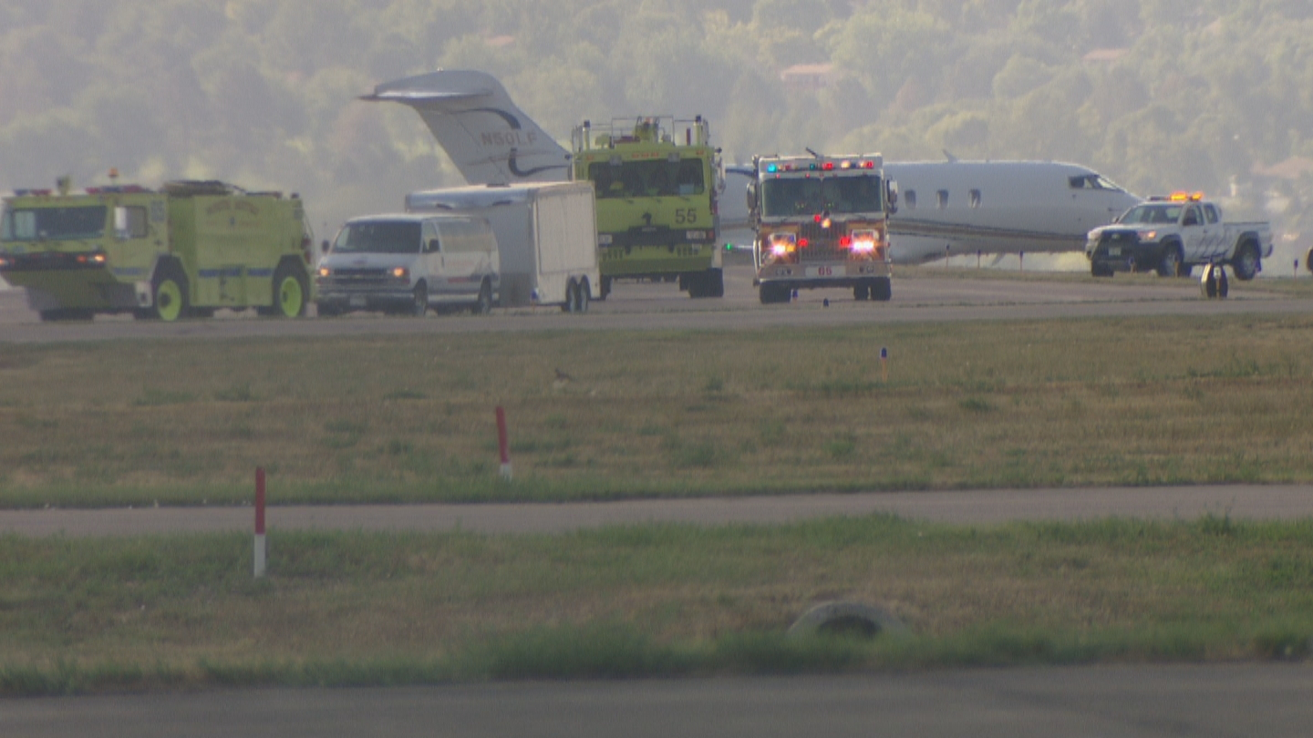 A hot air balloon made an emergency landing at Rocky Mountain Metro Airport on Wednesday morning (credit: CBS)