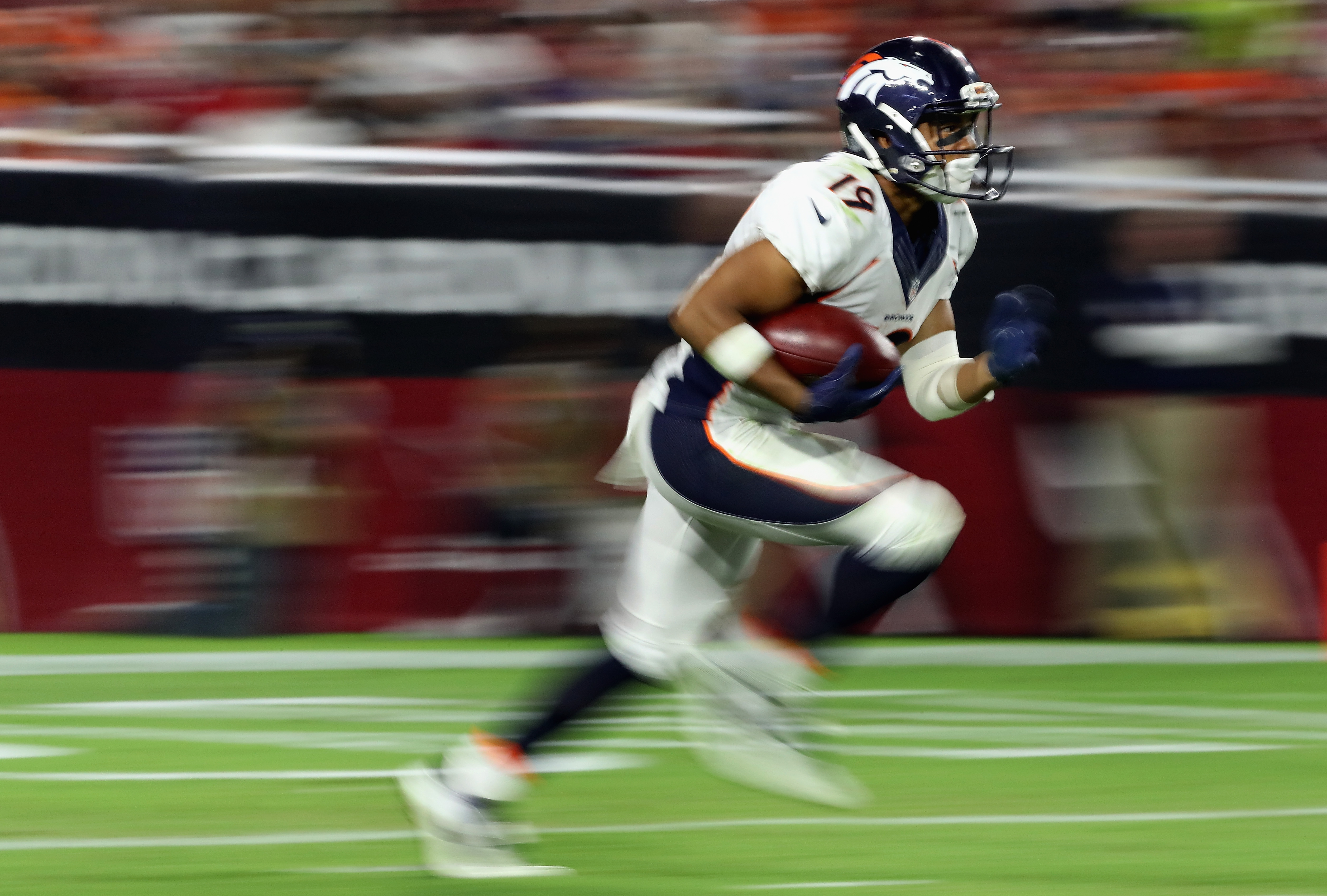 Kalif Raymond of the Denver Broncos returns a kick off against the Arizona Cardinals during the preseaon NFL game at the University of Phoenix Stadium on September 1, 2016 in Glendale, Arizona.  (credit: Christian Petersen/Getty Images)