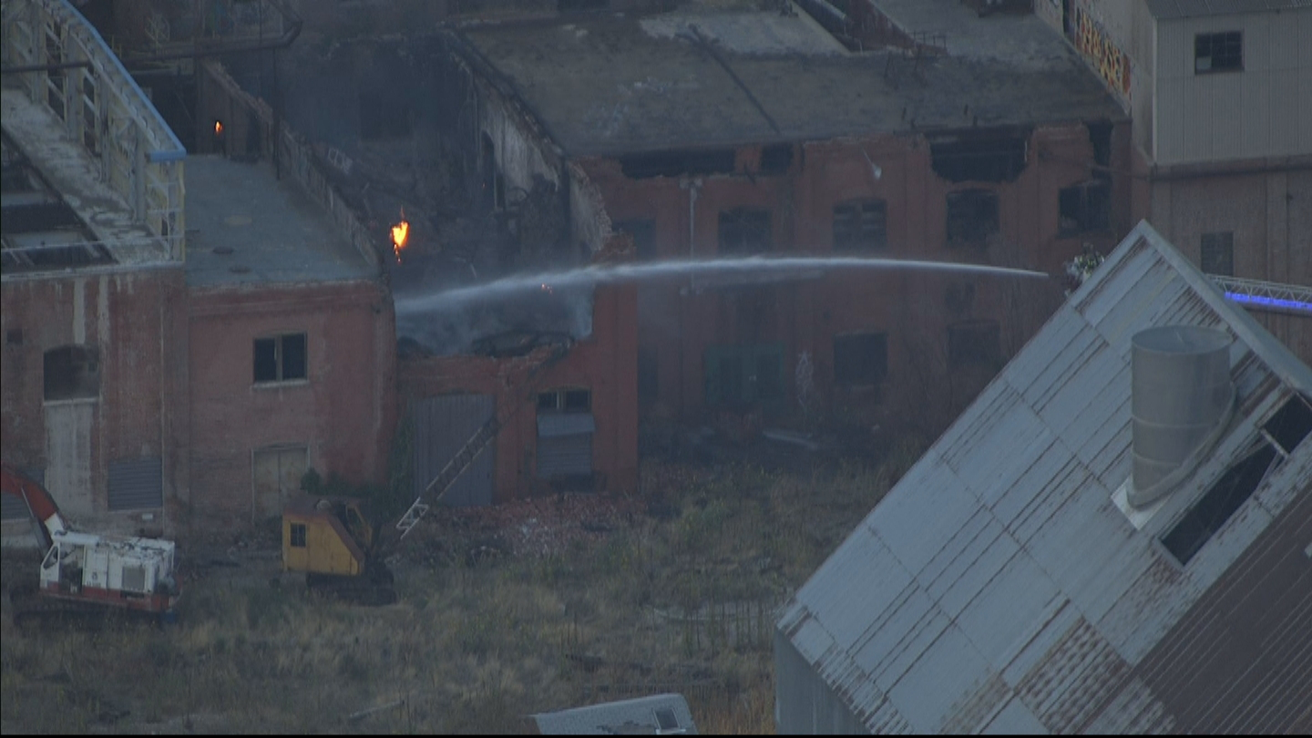 Copter4 flew over the sugar mill fire in Longmont (credit: CBS)