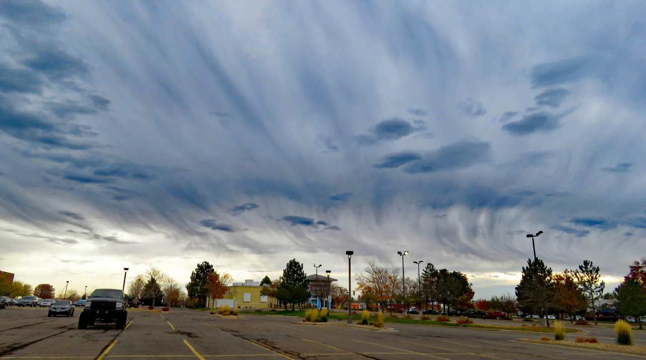 Virga over southwest Denver. (credit: Mike Quaintance)