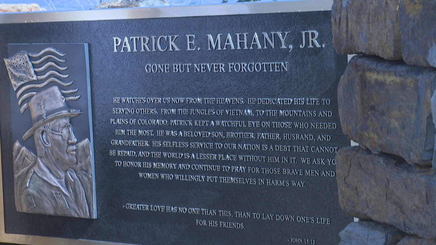 A memorial plaque for Flight for Life pilot Patrick Mahany (credit: CBS)