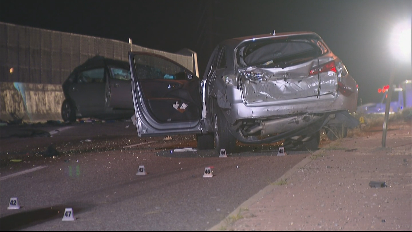 One person was killed in a deadly hit-and-run crash at Colorado Blvd. & I-70 on Monday night (credit: CBS)