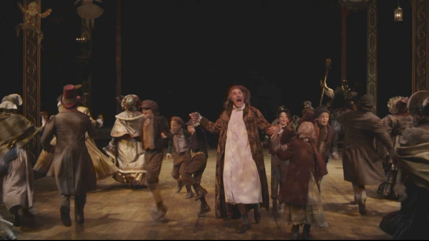 """Sam Gregory playing """"Scrooge"""". (credit: DCPA)"""