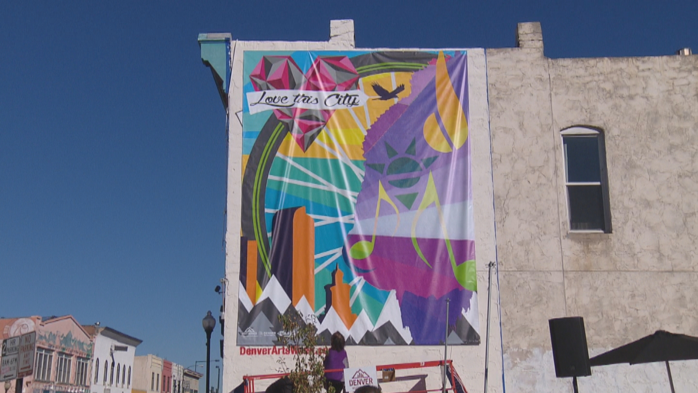 Depiction of the finished mural on Santa Fe Dr. (credit: CBS)