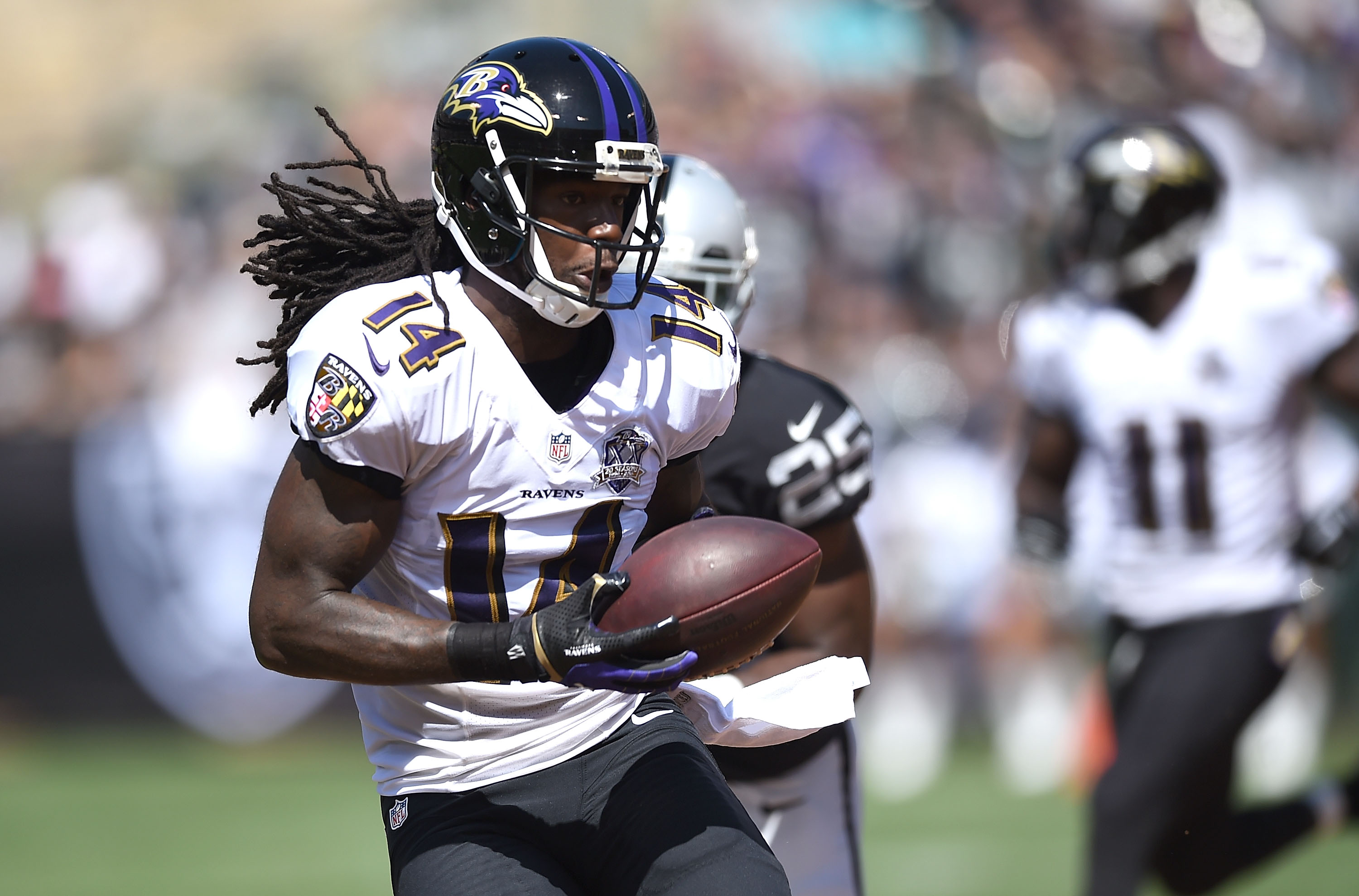 Marlon Brown of the Baltimore Ravens receives a pass on Sept. 20, 2015. (credit: Thearon W. Henderson/Getty Images)