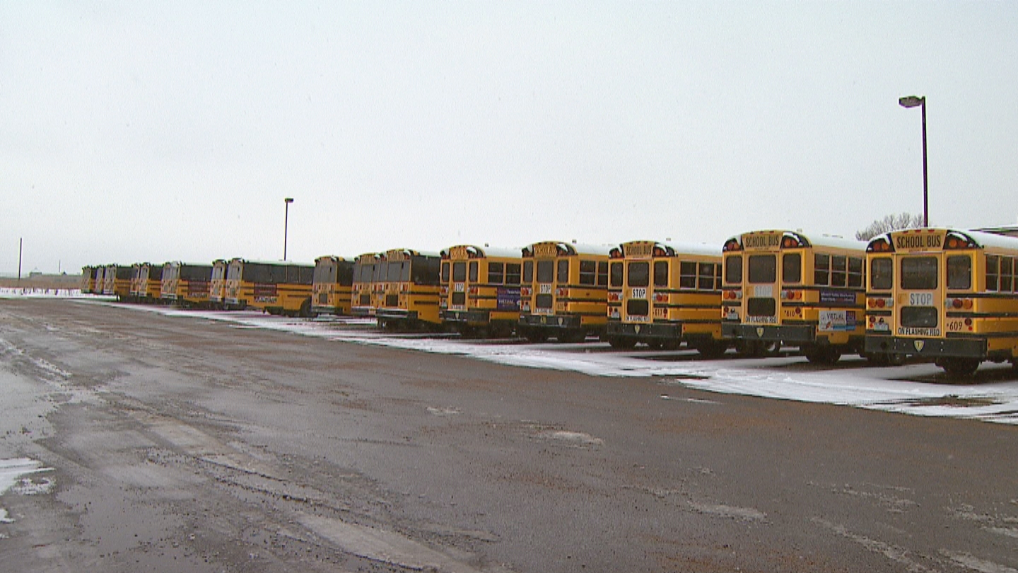 Cold school buses in Jefferson County (credit: CBS)
