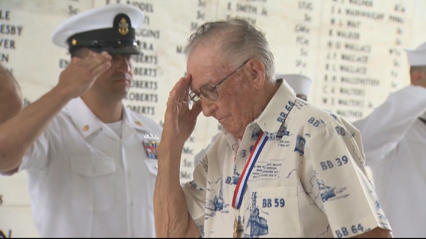 WWII Veteran and USS Arizona attack survivor Donald Stratton (credit: CBS)