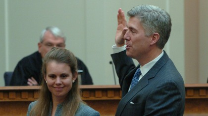 Neil M. Gorsuch is sworn in to U.S. Court Of Appeals for the 10th Circuit on Nov. 20, 2006. (credit: Denver Post / Getty Images Photo By John Prieto)