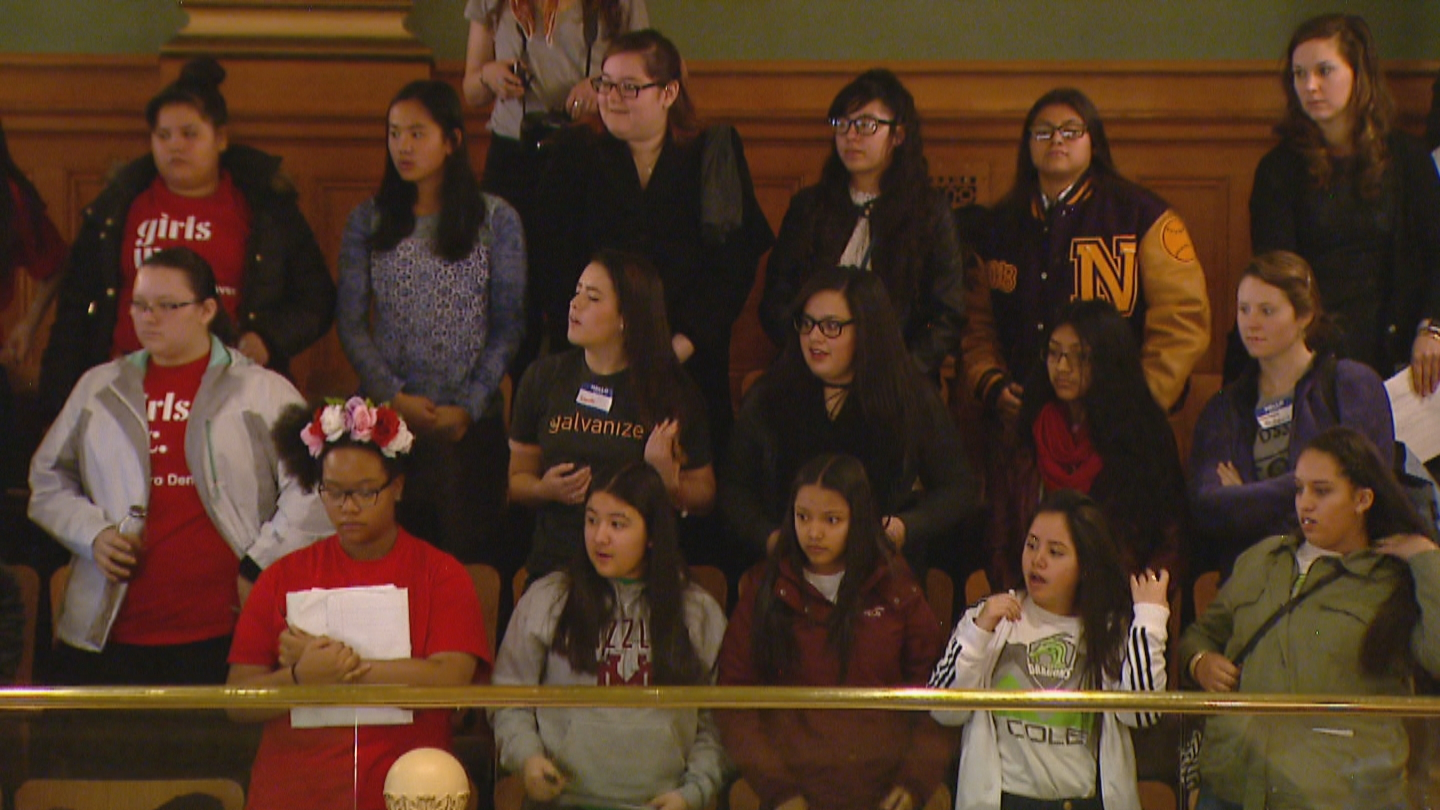 STEM students in the gallery at the Colorado Capitol. (credit CBS)