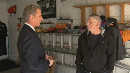 CBS4's Tom Mustin interviews Mark Fenton (credit: CBS)